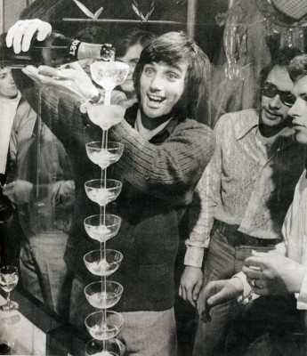 5 George Best con champagne