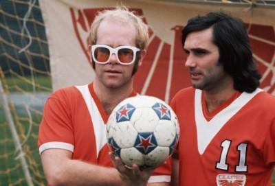 8 Con Elton John